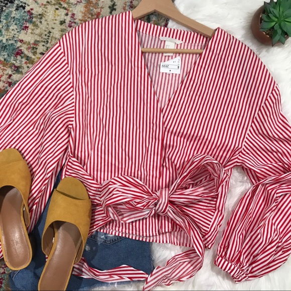 H&M Tops - H&M • Pinstriped Tie Wrap Top
